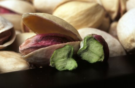 pistachio-nuts-manage-diabetes-protect-blood-vessels-reduce-risk-cardiovascular-disease